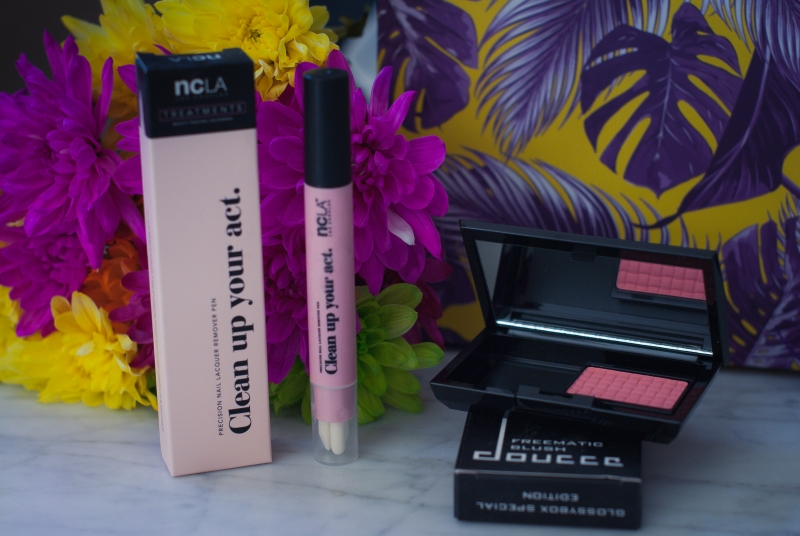 #TropicalBeauty Travel Must Haves w/ GlossyBox