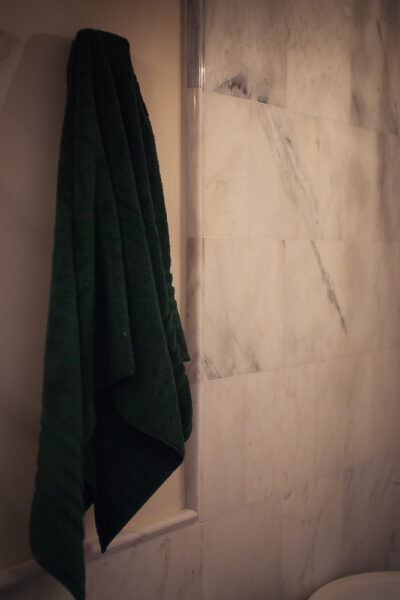 Updating your Fall Home Decor with Hotel Collection Ultimate Micro Cotton Bath Towel Collection